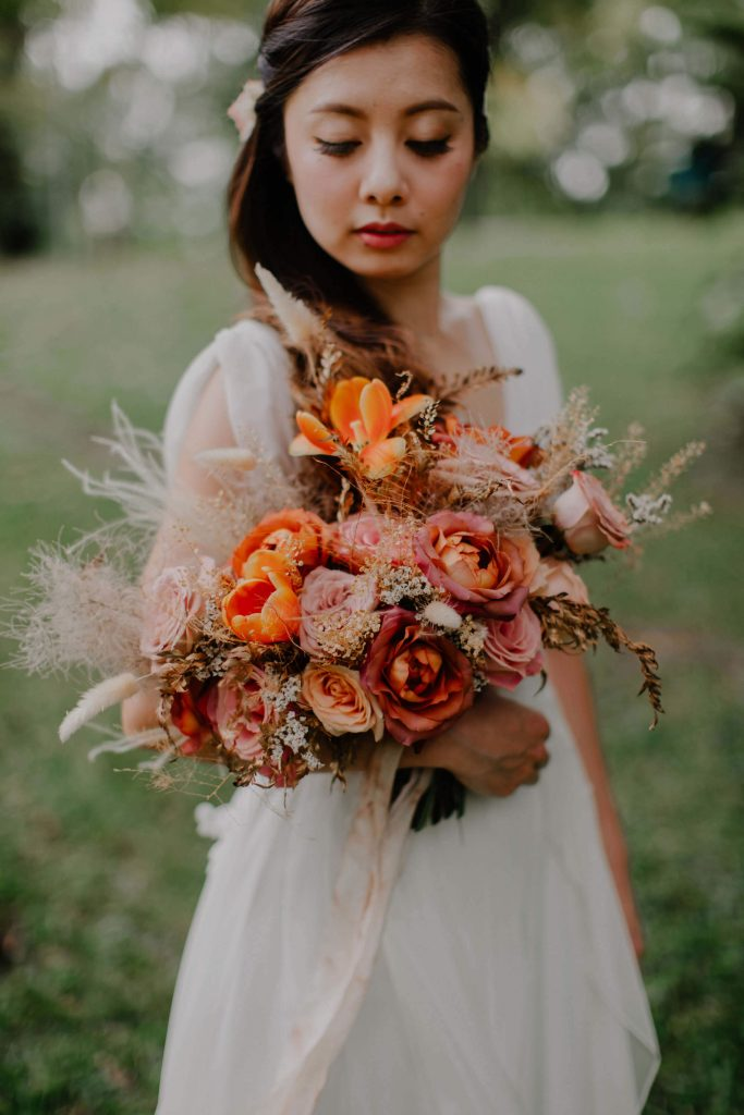 gathered+styled bouquet